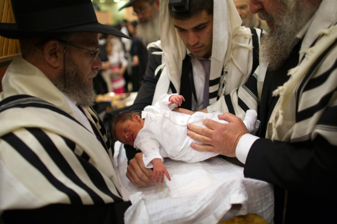 NEWS: Israeli mother fined $150 for each day she does not have her son circumcised